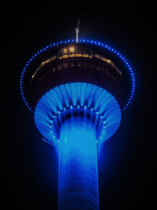Calgary-tower-night