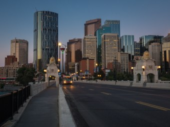 Calgary-tower-centre-street-bridge