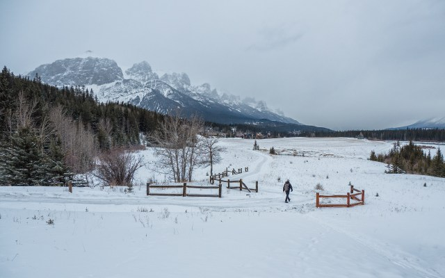Canmore-three-sisters-pathway