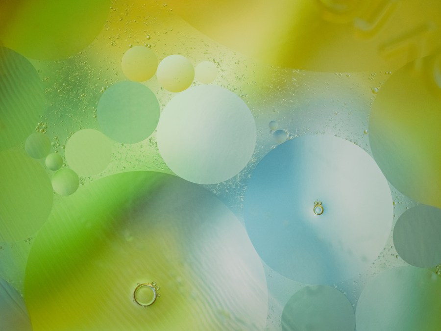 oil-water-abstract-macro