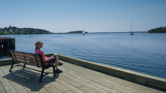 relaxing-lunenburg-harbor