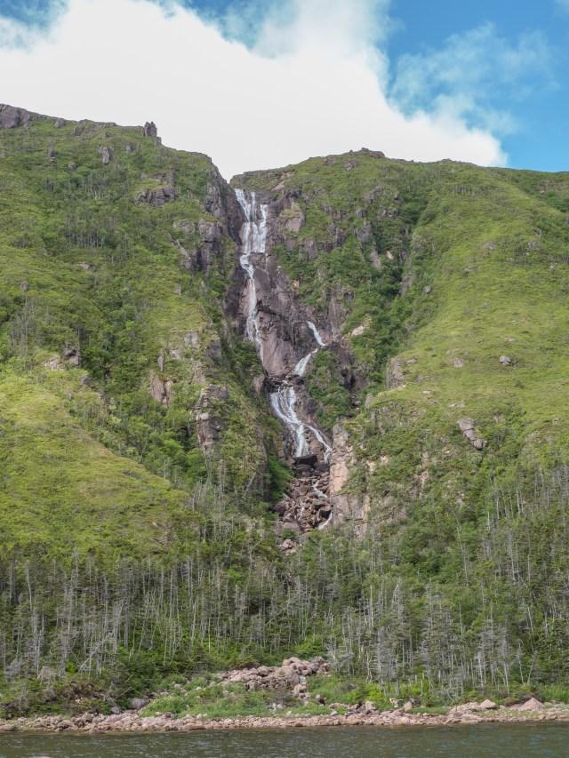 waterfall-aviron-bay