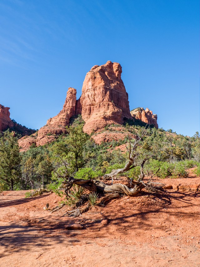 the-mitten-rock-formation-sedona