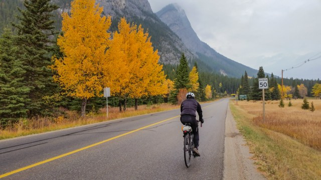 cycling from Cascade Ponds to Lake Minnewanka Loop