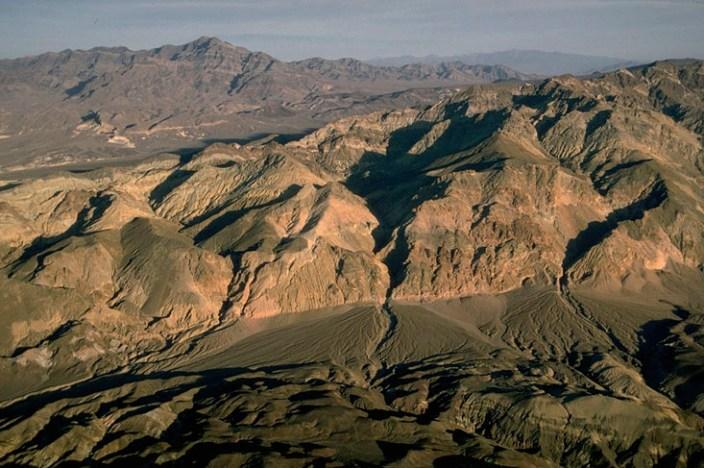 Playa and tilted fault block, Nevada. (ID: SrA-06)