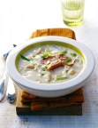 White bean soup. Image from Essen and Trinken.