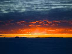 Once of the first sun sets of the season en route to the ice shelf