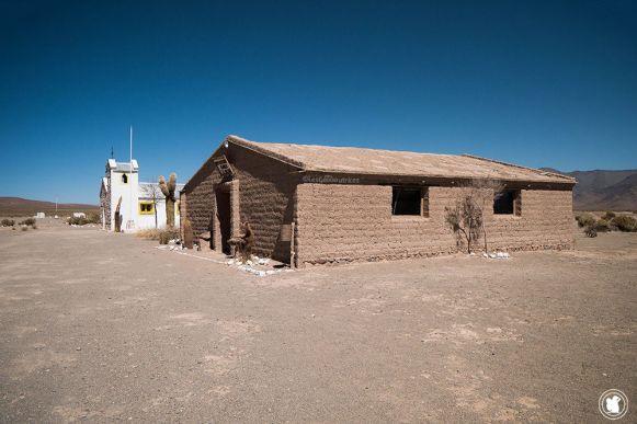 Petit village El Mojón sur la route en direction des Salinas Grandes
