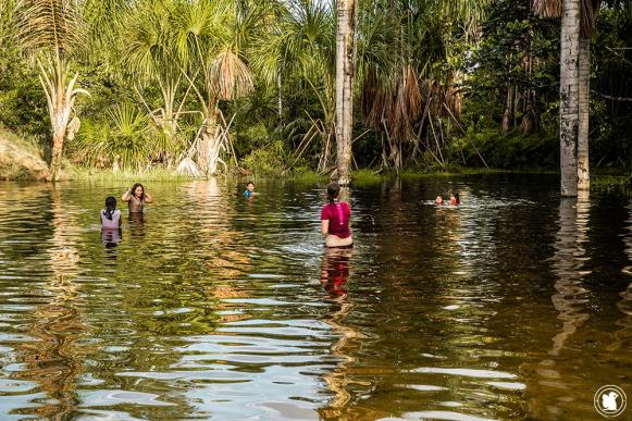 Découverte d'un lagon au cœur de l'Amzonie