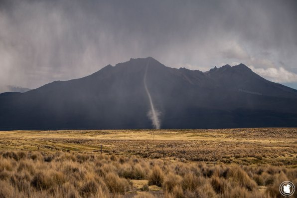 Mini tornade dans le parc national Sajama