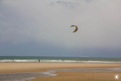 Côte d'Opale, kite surfer à l'entraînement