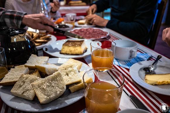 Petit-déjeuner au gîte Oiharte - blogtrip Nekatur