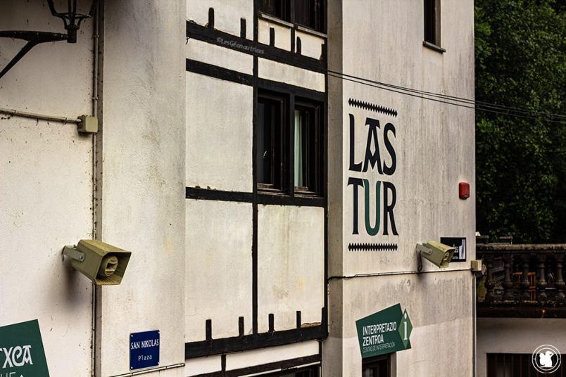Place principale de Lastur - blogtrip Nekatur