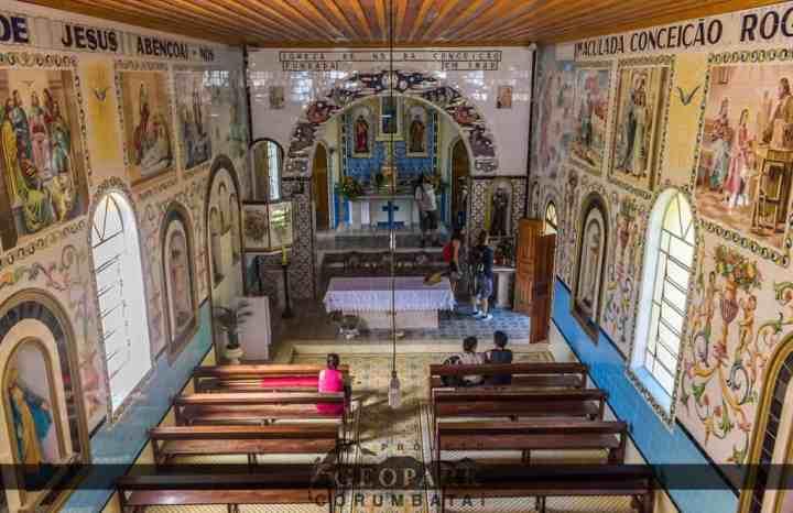 Interior da Igreja de Itaqueri da Serra, localizada no município de Itirapina. Foto: Kolya AA, 2017