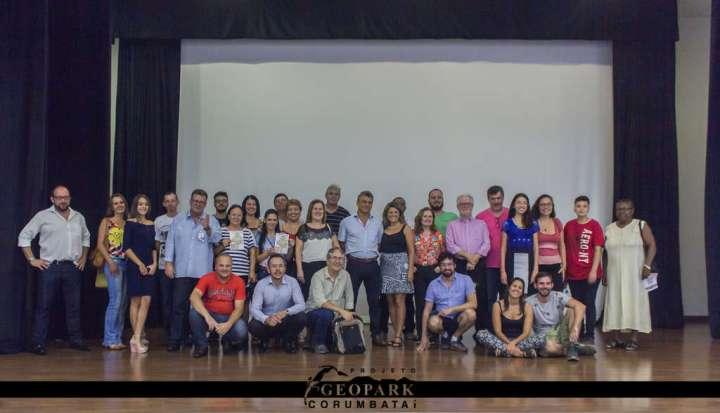 Participantes da 4ª edição da Caravana Geopark Corumbataí, realizada em Itirapina
