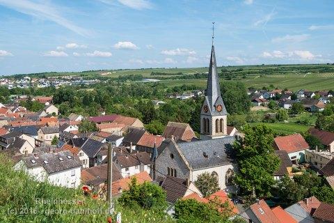 Schwabsburg Ortsmitte mit der Evangelischen Kirche - Bild Nr. 201605264369