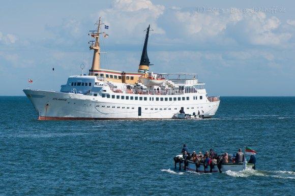 "Seebäderschiff ""Atlantis"" mit Börteboot - Bild Nr. 201306049443"