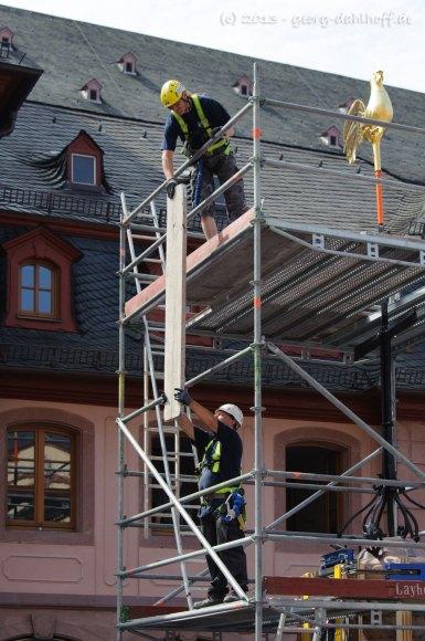 Gerüstbauer bei der Arbeit - Bild Nr. 201307180271