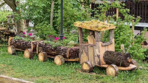Blühende Garteneisenbahn - Bild Nr. 201404270942