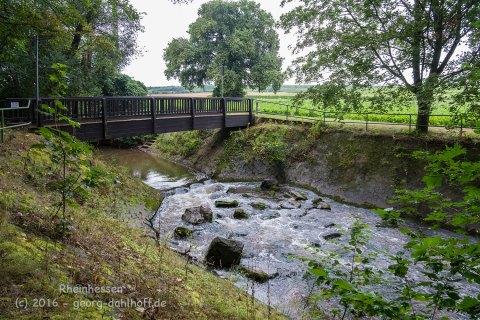 Brücke über die Pfrimm - Bild Nr. 201608204984