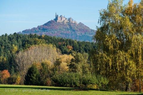 Blick auf Burg Hohenzollern in Bisingen - Bild Nr. 201610315465
