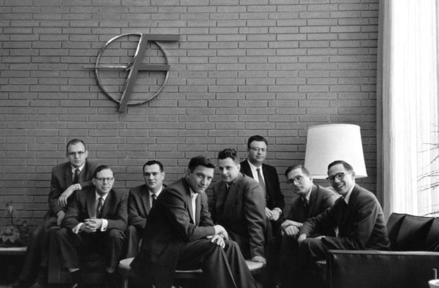 From left to right: Gordon Moore, C. Sheldon Roberts, Eugene Kleiner, Robert Noyce, Victor Grinich, Julius Blank, Jean Hoerni and Jay Last. (1960)