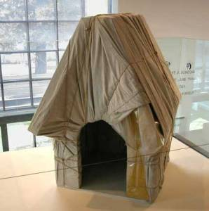 Christo-wrapped-snoopy-house-lg