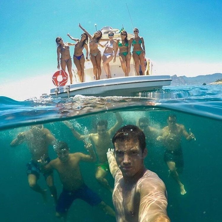 This is how you take a group selfie. regram @theprotraveler Party all day | By @thiagomlcorrea #TheProTraveler #selfie #selfienation #selfies  #me #love #pretty #handsome #instagood #instaselfie #selfietime #face #shamelessselefie #life #hair #portrait #igers #fun #followme #instalove #smile #igdaily #eyes #follow