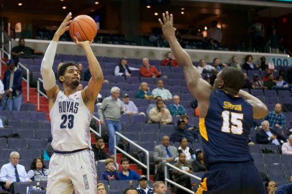 Men's basketball defeats Coppin State, earns consecutive victories for first time in 11 months