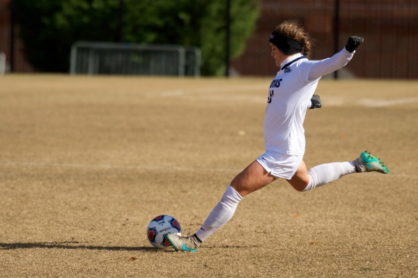 Women's Soccer Falls to Top- Ranked West Virginia