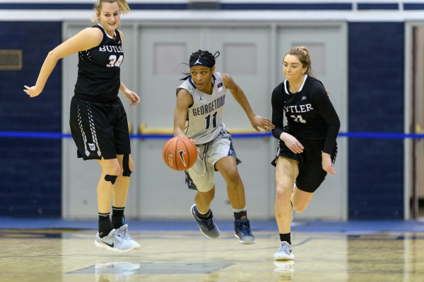 On a roll again: Women's basketball goes 2-0 on the weekend
