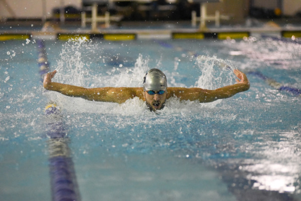 Swimming and Diving places second in tri-meet with Seton Hall and Providence