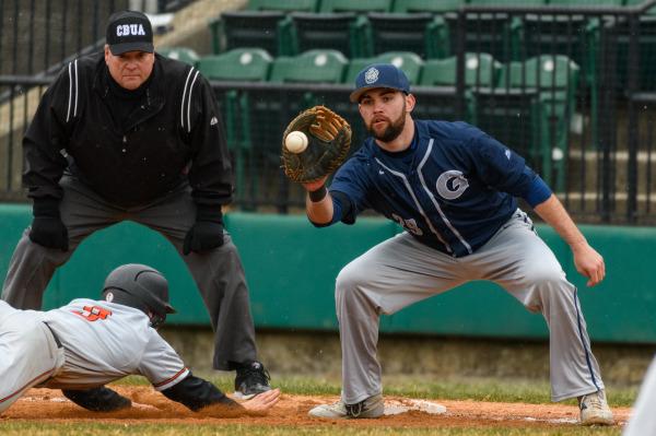 Baseball Win Streak Continues at UMBC