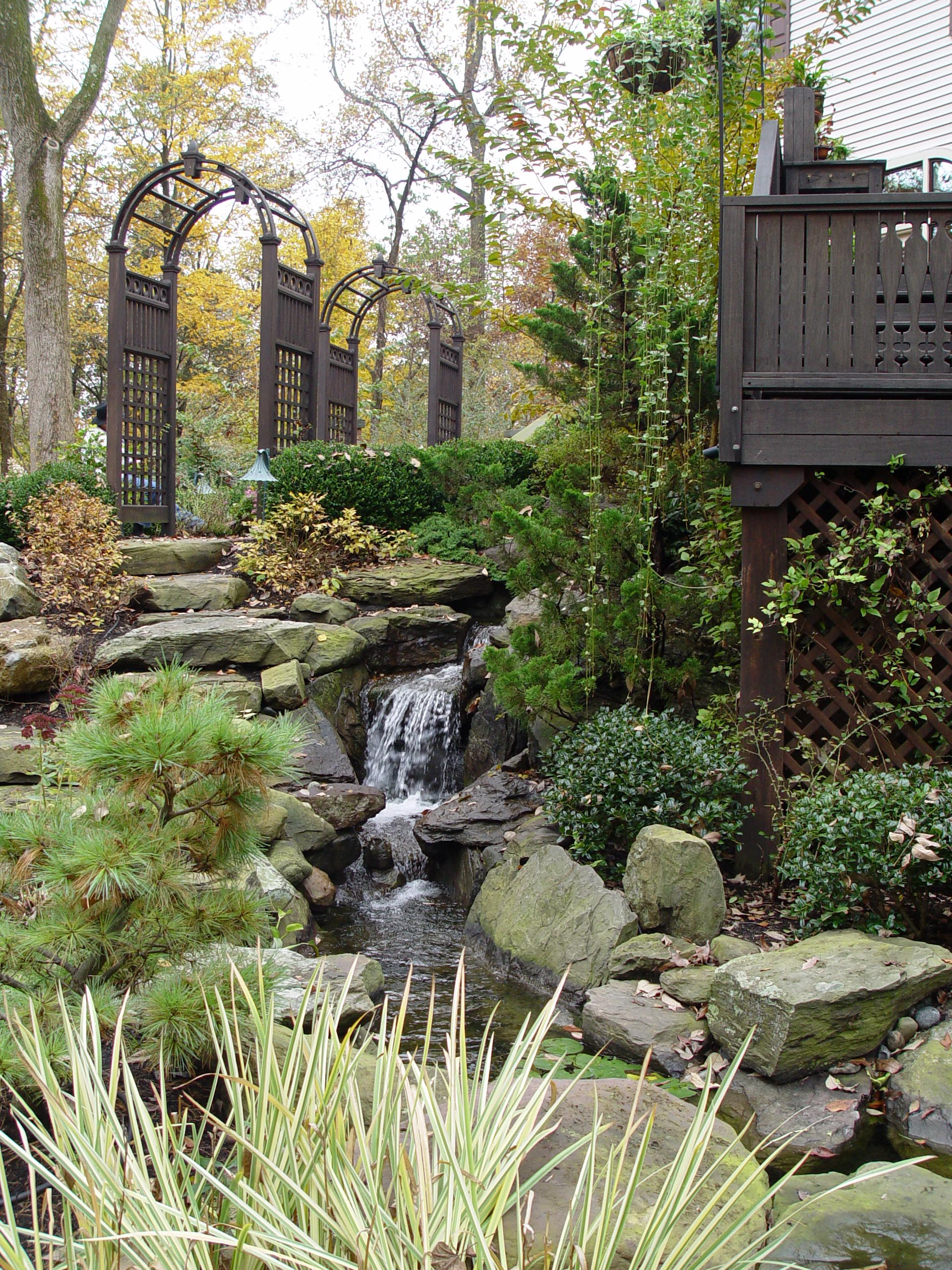 "8 Landscaping Ideas Worth ""Borrowing"" 