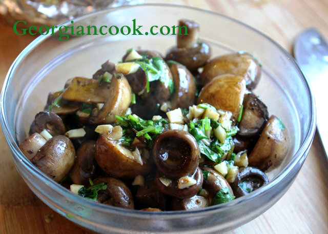 sauteed mushrooms with garlic and cilantro
