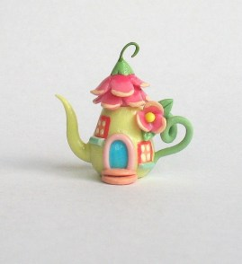 Minature Fairy blossom teapot by C Rohal (Artistic Spirit http://www.etsy.com/uk/shop/ArtisticSpirit?ref=l2-shopheader-name)