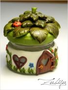 Fairy jar by Zubiju (http://zubiju.blogspot.ro/2013/02/fairy-jar.html)