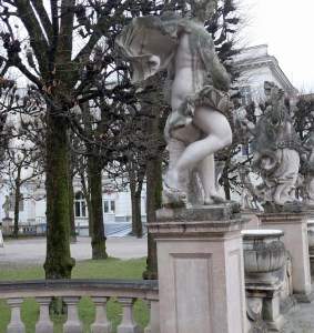 Cold looking statues bordering the Mirabel gardens.