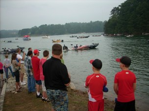 FLW 8-5-10 kids watch boats small