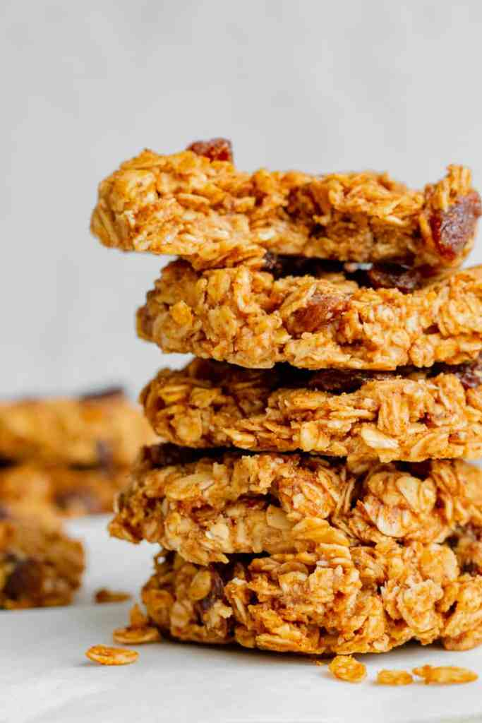 Oatmeal Raisin No-Bake Cookies - vegan, GF & healthy. Georgie Eats.