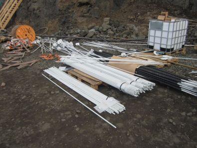 Bergboltar. 3 til 5 m kambstálsboltar eru notaðir og einnig 3 til 5 m s.k. CT boltar.