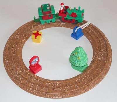R8249 Holiday Train Set