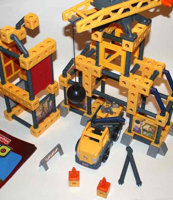 R2136 Wrecking Ball Crane