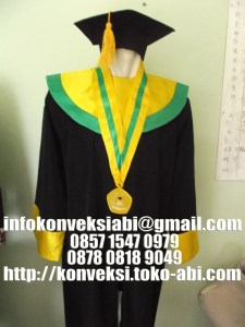 Konveksi Pembuatan Pakaian Wisuda Universitas