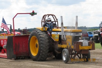 Big tractor pulls on Sunday