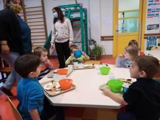 petit dejeuner marie curie maternelle 2020 (2)