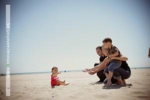 sesión fotográfica familiar en exteriores en el Grao de Castellón (35)