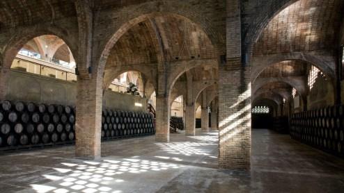 Codorniu bir şarap mahzeni, Katalonya. Fotoğraf: Richard Kalvar / Magnum