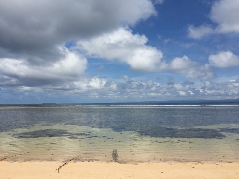 Pantai di Plun