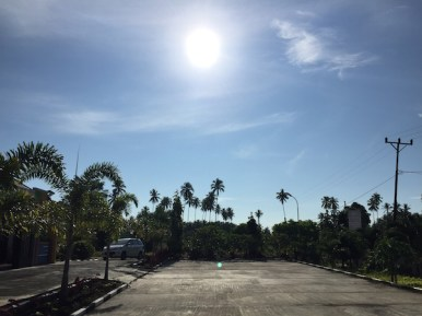 Suasana pagi dari Kartika Buli Resort. redit: Avivah Yamani